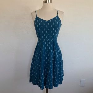 Old Navy Blue & White Print Fitted Cami Mini Dress
